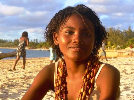 súlyos madagaszkári nő találkozása)